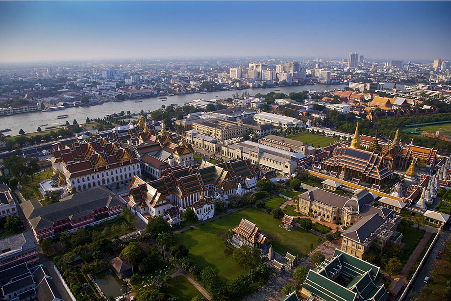 29. Большой дворец и Храм Изумрудного Будды в Бангкоке.