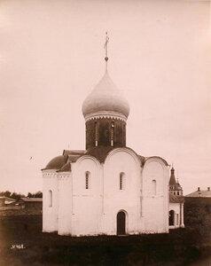 Вид северо-восточного фасада собора Спаса Преображения (закладка-в 1152 г.,завершение постройки-в 1257 г.).