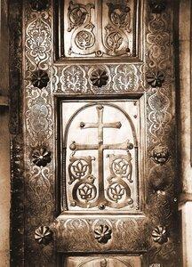 Вид части Корсунских (Сигтунских) ворот (XII в.) в Софийском соборе. Новгород г.