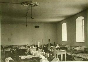Вид части палаты в Иркутском подвижном госпитале