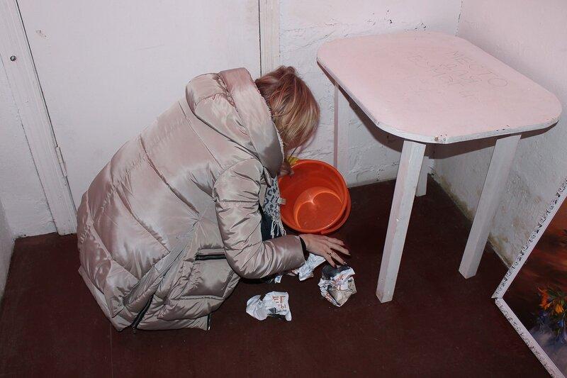 Роемся в мусоре в поисках кодов и подсказок - Логово ББ - Побег из комнаты в Кирове