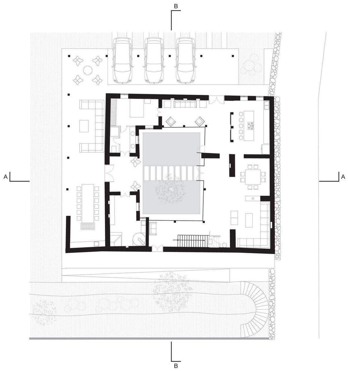 Loma House, Ivan Andres Quizhpe, частный дом Эквадор, внутренний двор в частном доме, панорамное остекление частного дома, дизайн интерьера фото