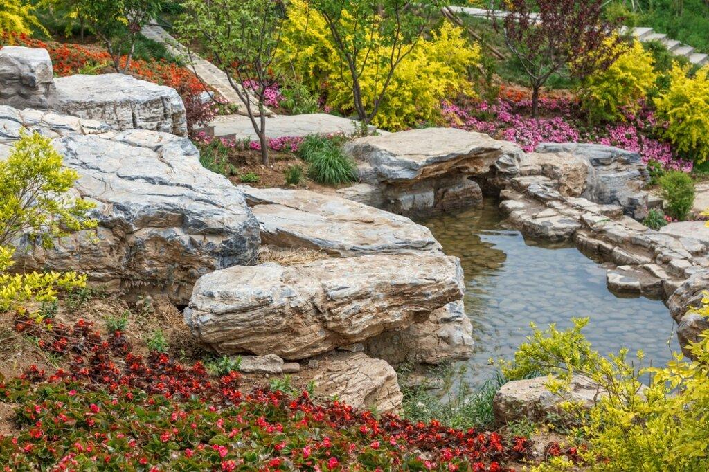 Декоративный пруд, прекрасная долина, парк-выставка садов