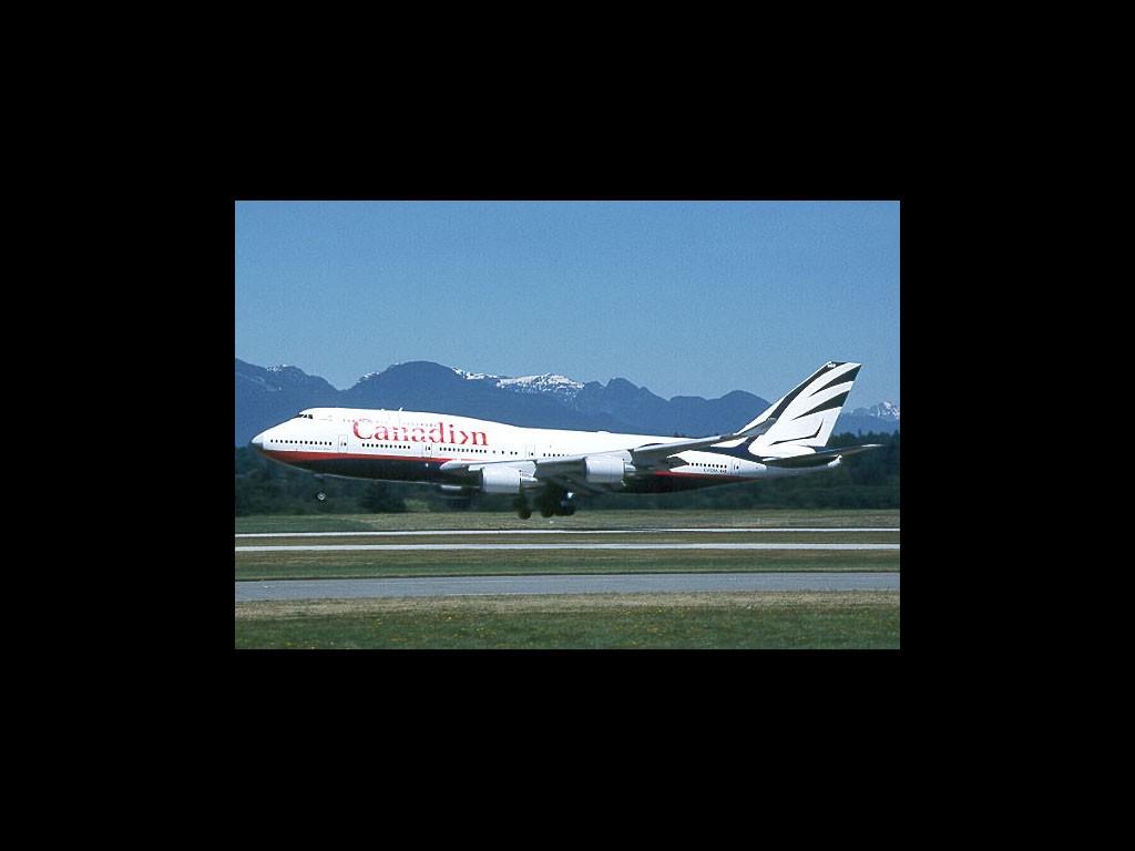 Boeing B747-400, Canadian