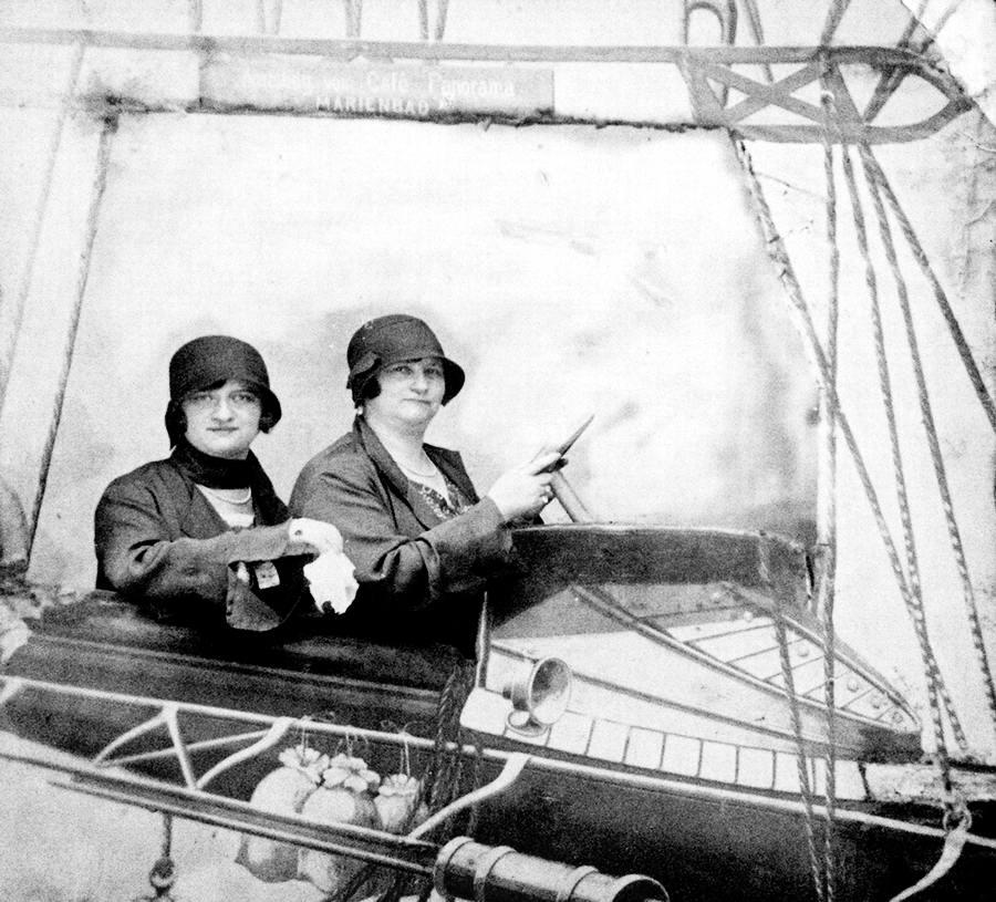 Художественные фоны для фотографий авиационной и воздухоплавательной тематики (21)
