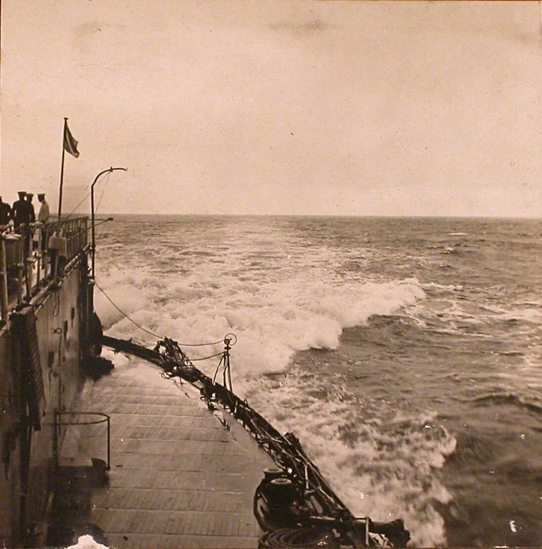 28. Вид части палубы линейного корабля