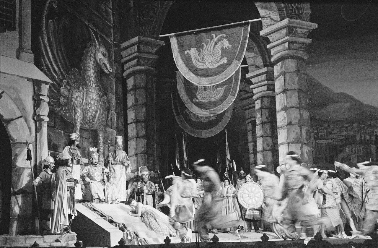 Опера Делорам