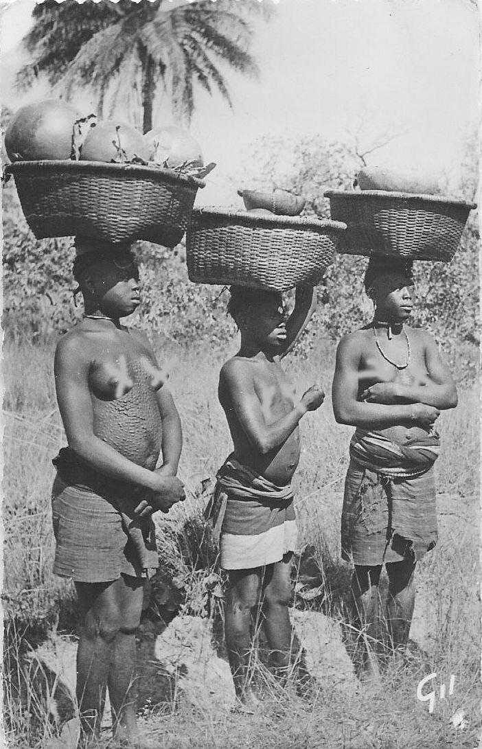 Три женщины из Гвинеи