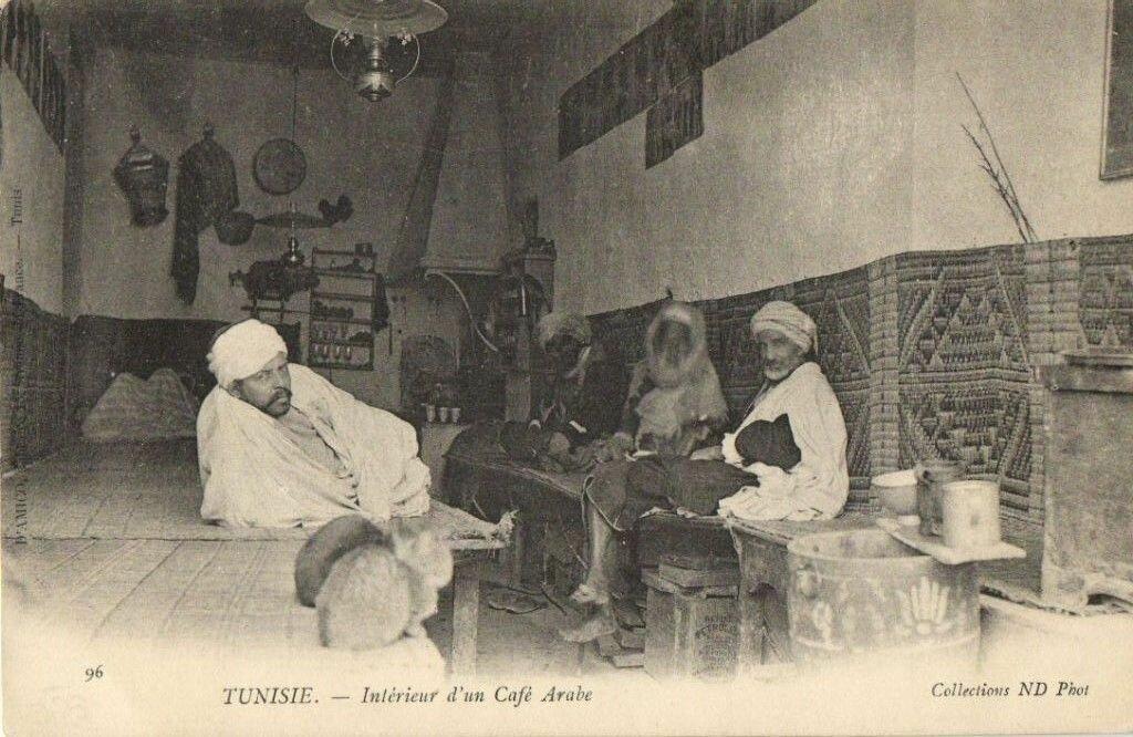 Интерьер арабского кафе