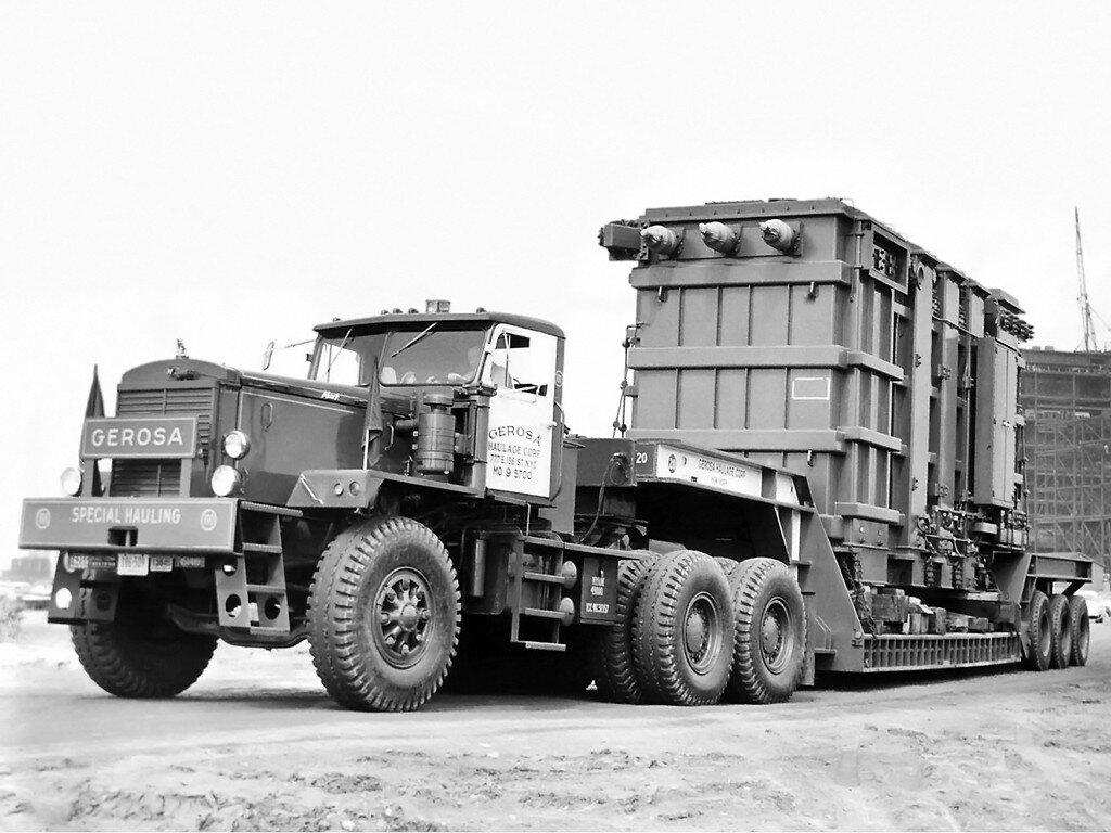 Mack LRVSW '1950–64 1.jpg