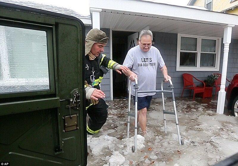 К снегу ещё и наводнени, вот это - реальная проблема