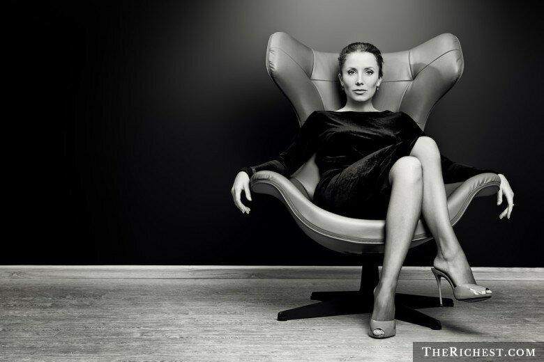 Разбиваем стереотипы: 12 веских причин встречаться с женщинами постарше