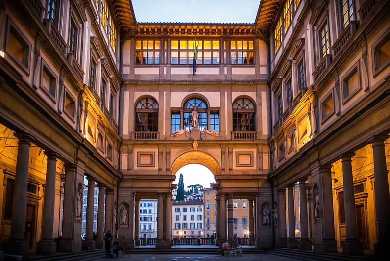 Галерея Уффици - один из старейших музеев Италии и мира. На родине Ренессанса, в самом сердце с