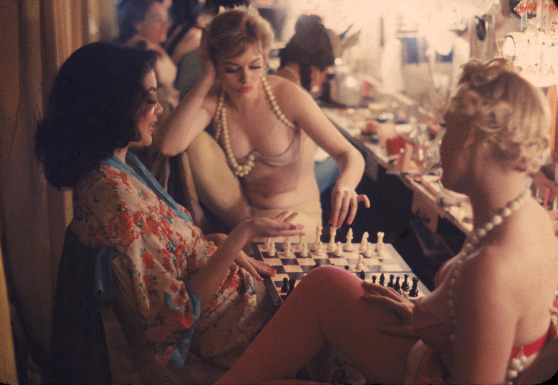 История в фотографиях. Showgirls. New York. 1958
