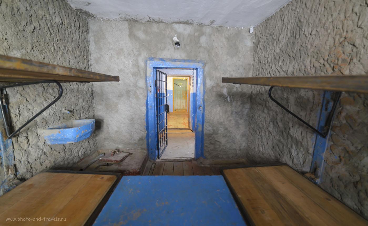 19. Представьте, каково это - провести в этом помещении 20 лет своей жизни… 1/8, +1.0, 2.8, 1600, 14.