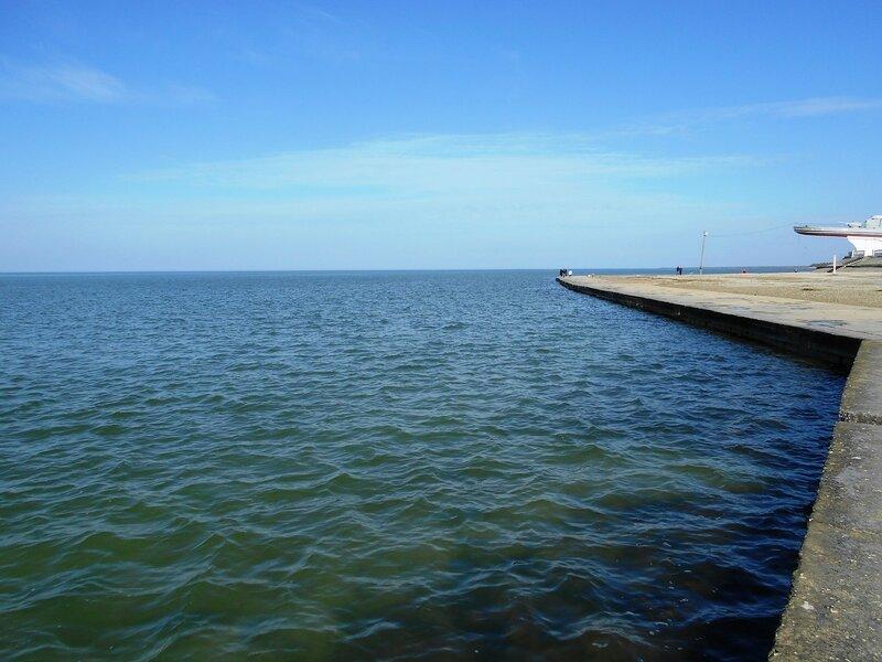 У воды, в день февральский ... DSCN3901.JPG