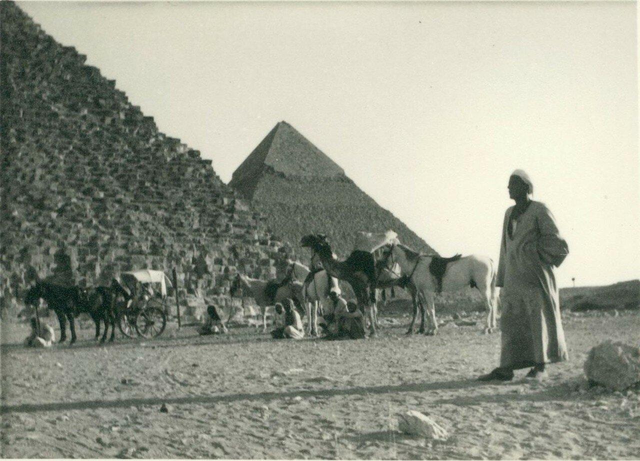 Гиза. Пирамиды. 1949