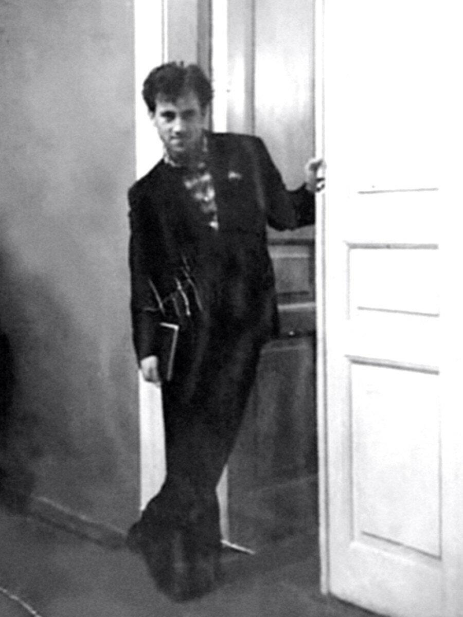 Владимир Высоцкий в школе-студии МХАТ. Фото конца 50-х годов