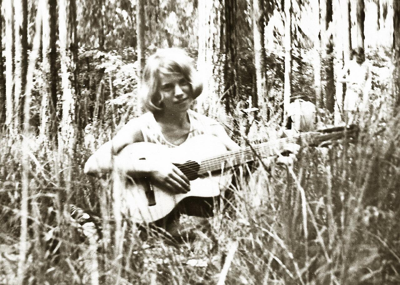 1967. Махова Люся - посвящение в студенты
