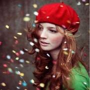 девушка в шапочке