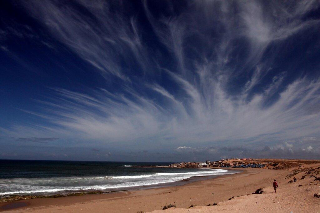 Тифнит - деревушка, облака, пляж