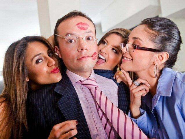 Особенности работы в женском коллективе глазами мужчины!