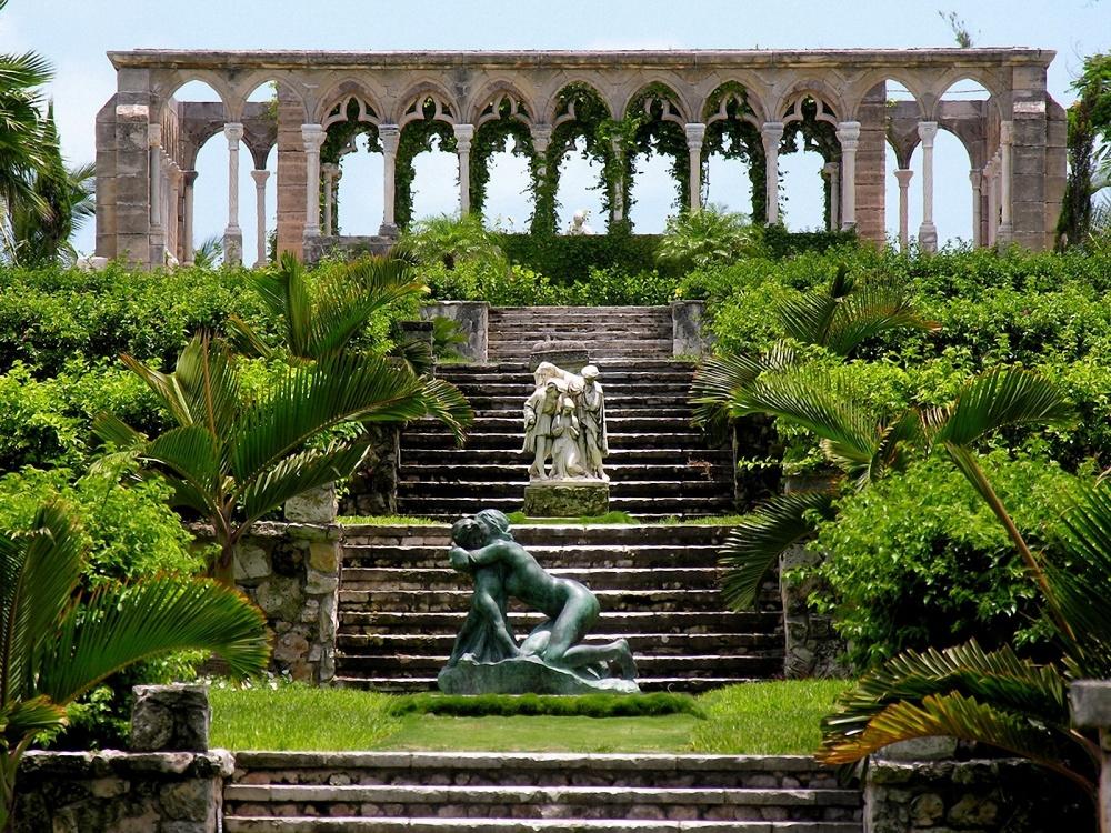 Версальский парк— это «сад разума» сматематически выверенными пропорциями ичетко спланированными