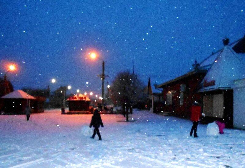 Вечер, снег идёт ... DSCN3545.JPG