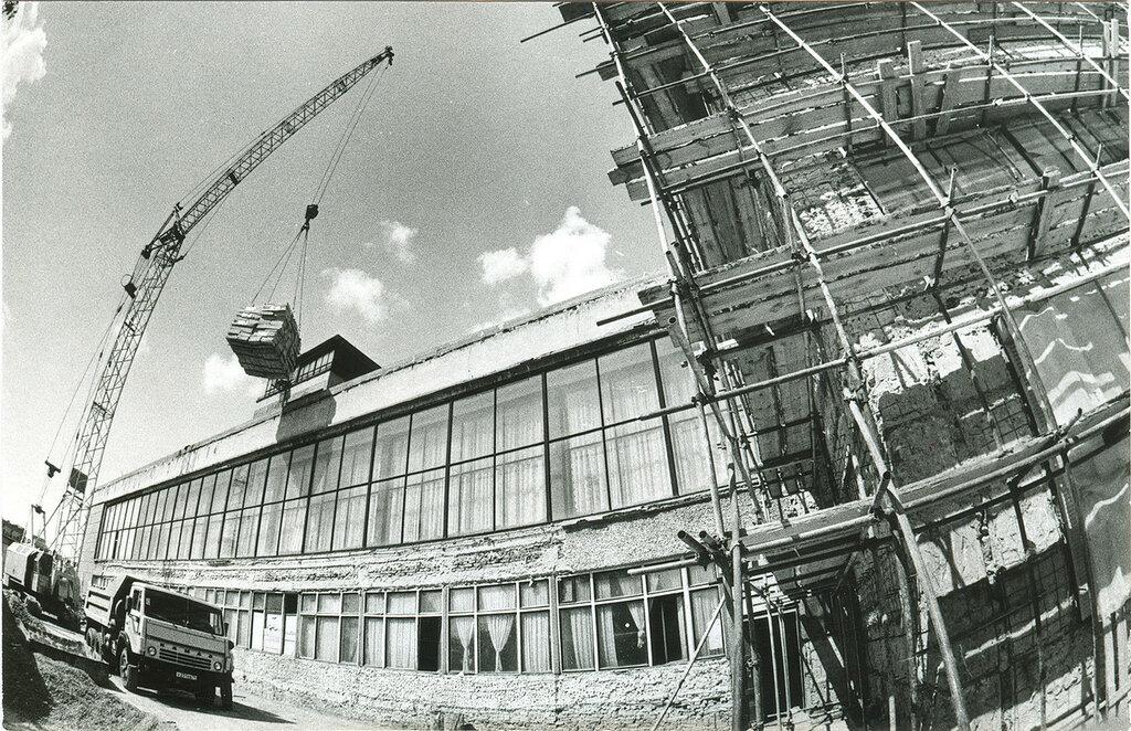 1999 год, 11 мая. Реконструкция челябинского вокзала.jpg