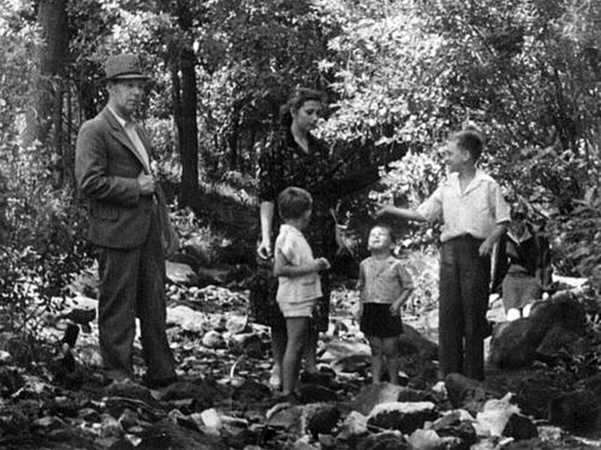 1950. Володя Высоцкий в г.Гайсин, УССР. Фото Алексея Высоцкого, июль