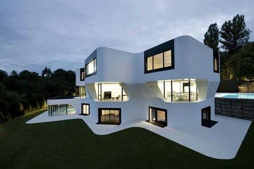 Современный дом - белоснежка