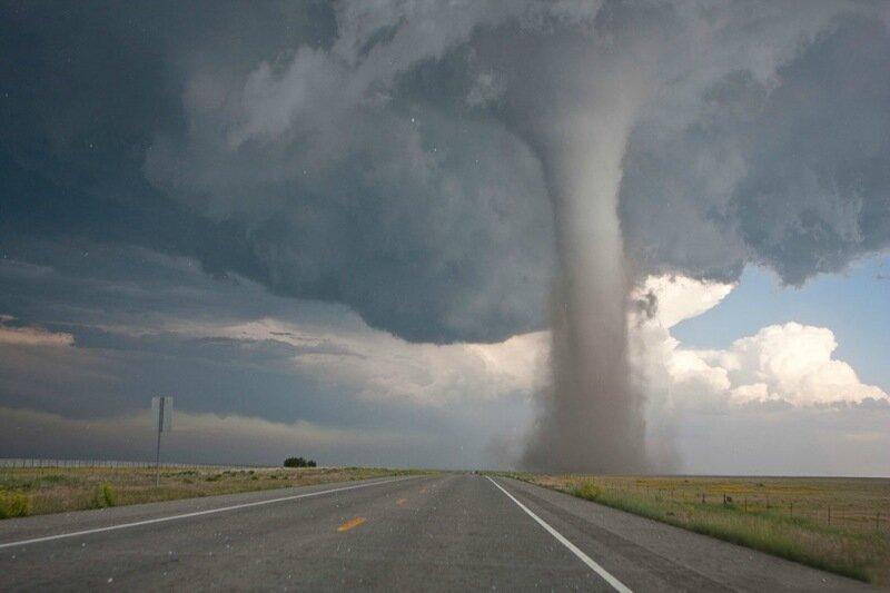 Фотографии сильнейших торнадо года. Впечатляющие снимки природной стихии 0 13fc8e 7a4cbabc XL
