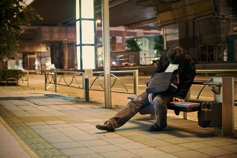 Фотопроект Адриана Стори: спящие на улицах Токио 0 1c59f2 85d63a13 XL