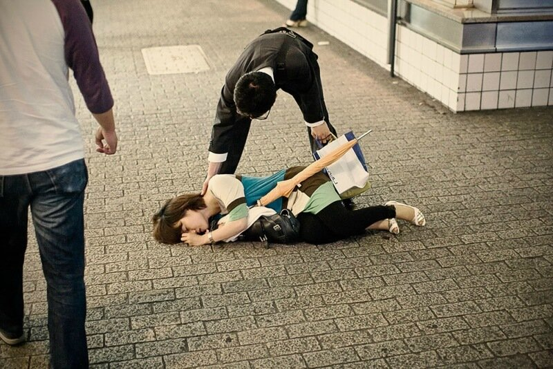 Фотопроект Адриана Стори: спящие на улицах Токио 0 1c59f3 baf1ebc4 XL