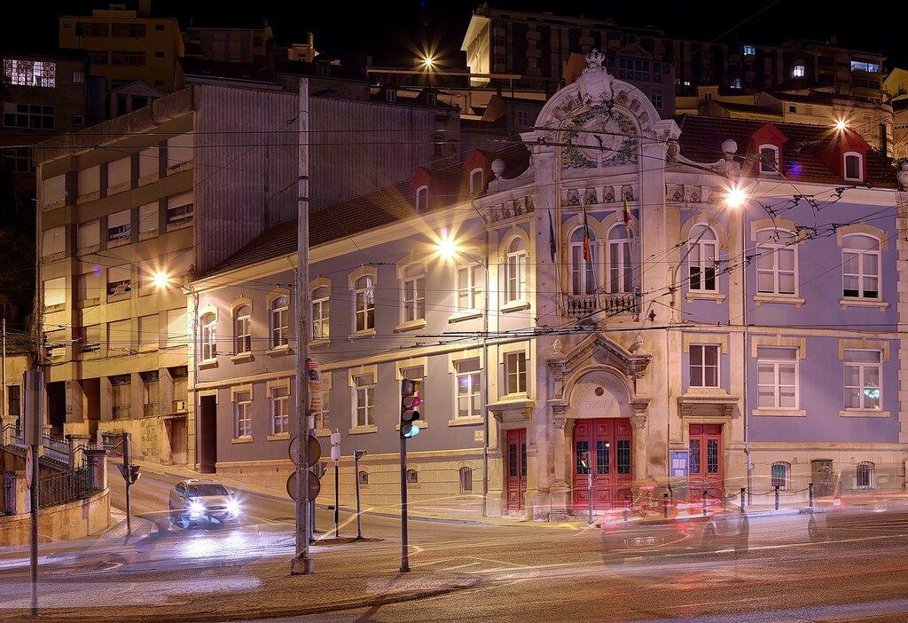 Ночная Коимбра. Бульвар Са-да-Бандейра (Jardim da Avenida Sá da Bandeira)