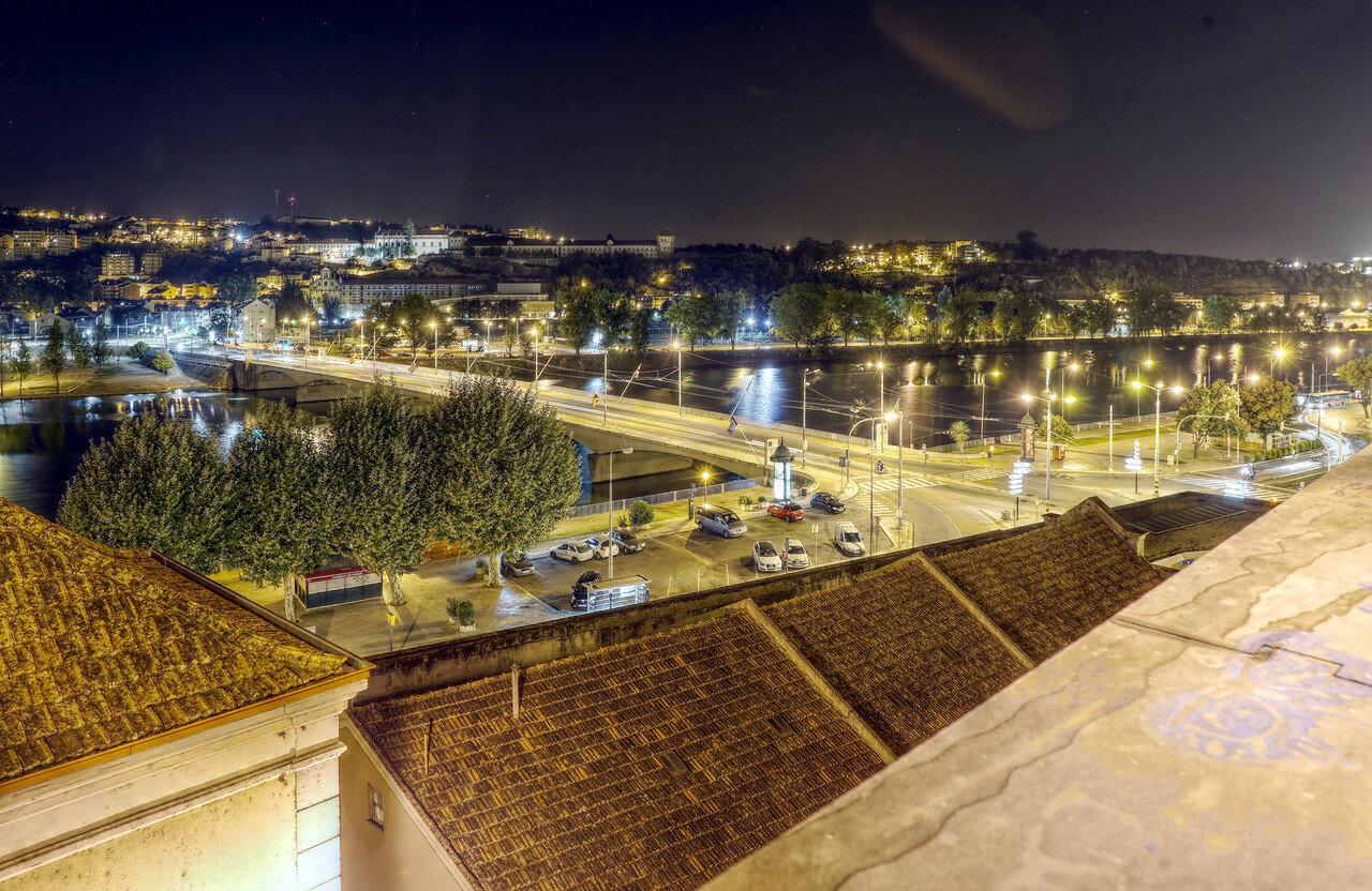 Ночная Коимбра. Река Мондегу и мост Санта Клара. HDR