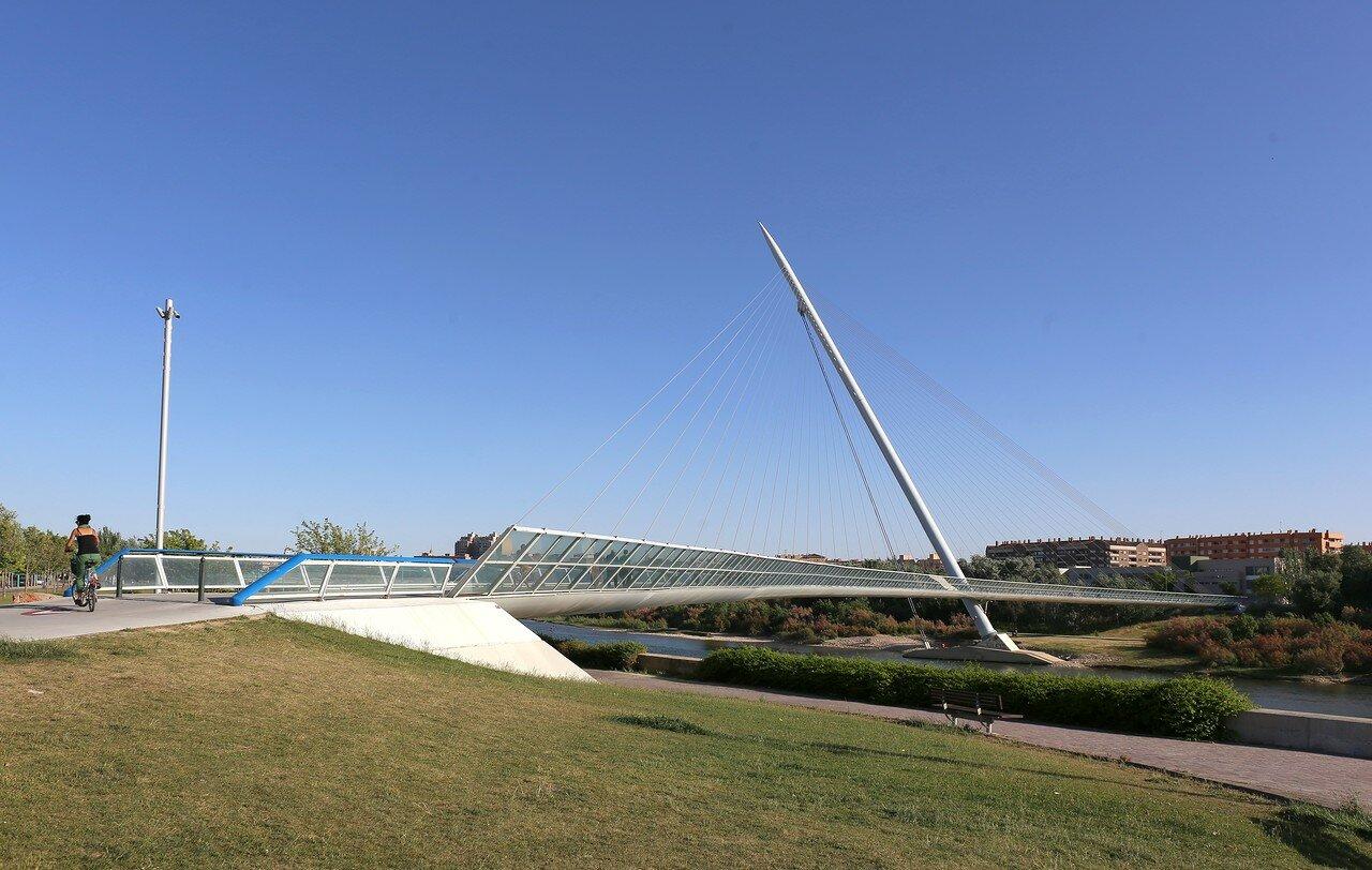 Pasarela del Voluntariado bridge, Zaragoza
