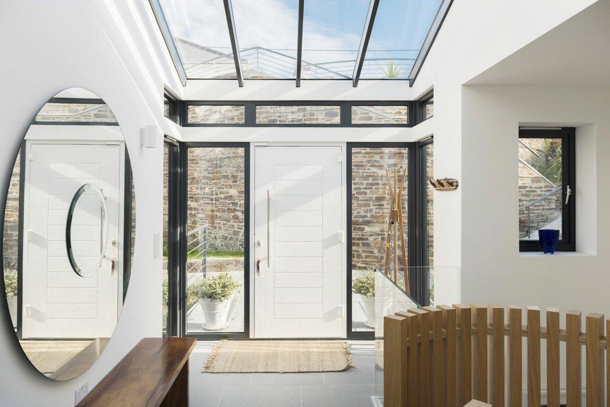 Laurence Associates, залив Whitesands, мыс Cornwall, Gwel-An-Treth, каменный дом фото, фасад частного дома из камня фото, частный дом с видом на море