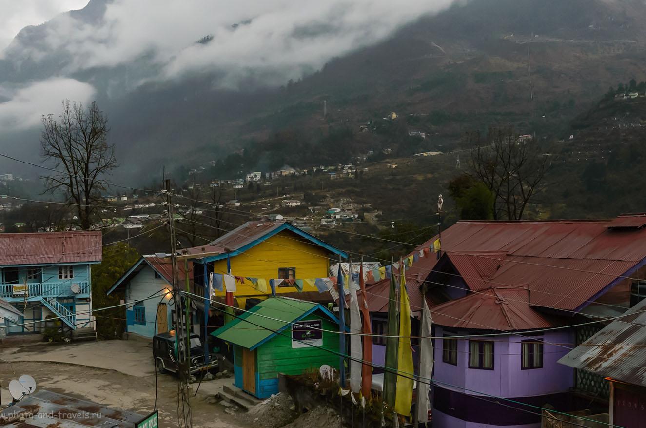 8. Домики в деревне Lachung, где ночуют туристы, приехавшие на экскурсию в долину Yumthang Valley. Поездка в штат Сикким на северо-востоке Индии. Знакомство с Гималаями. 8.0, 1/200, 6400, -0.7EV, 42.