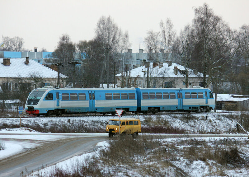 РА2-012 пригородным поездом Великие луки - Невель-2 на перегоне Невель-1 - Невель-2
