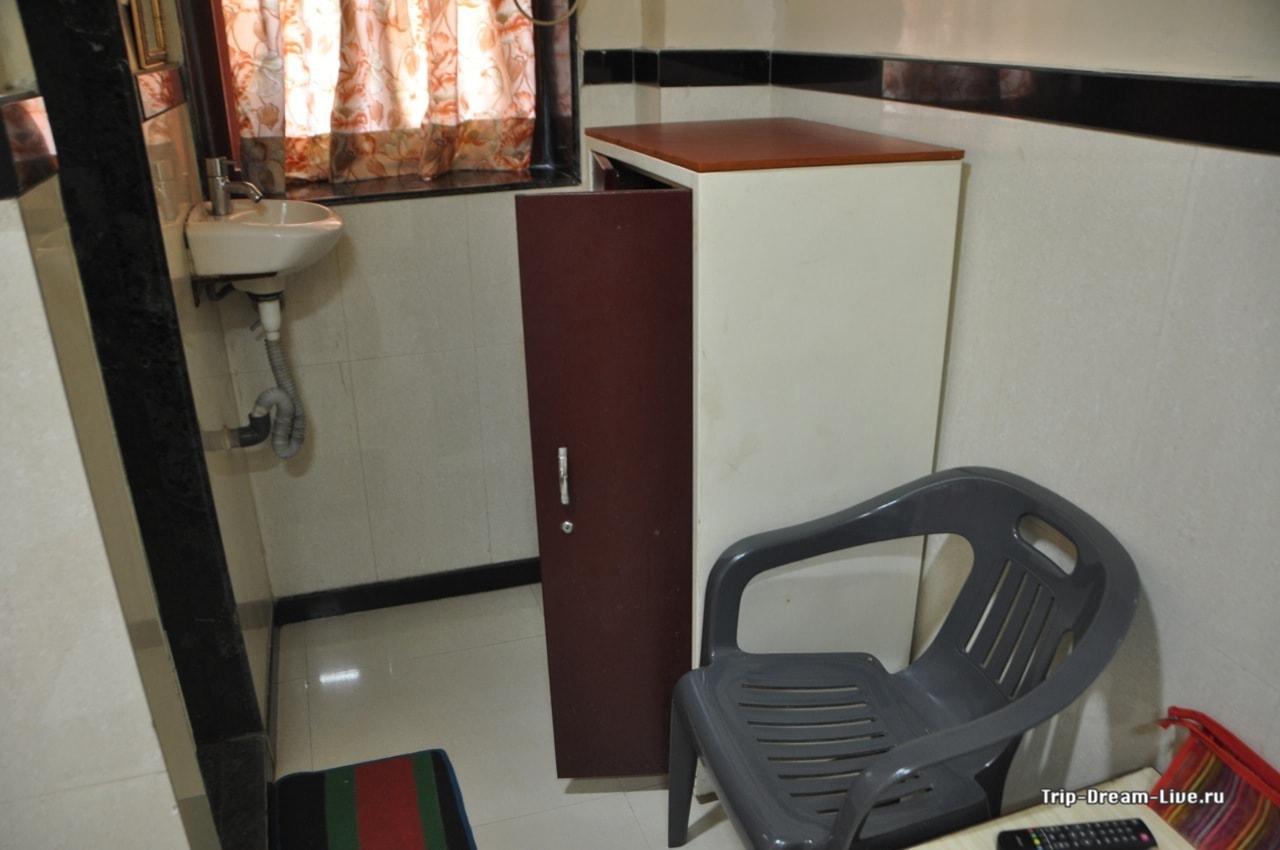 Необходимый минимум. Travellers Inn в Мумбаи