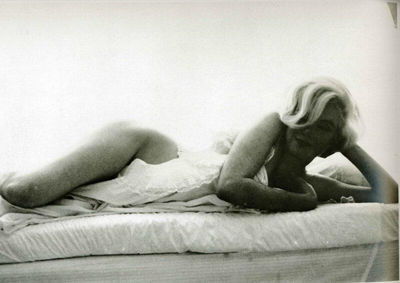 Скандальные фото обнаженной Мэрилин Монро 0 1cd000 67f8f944 XL