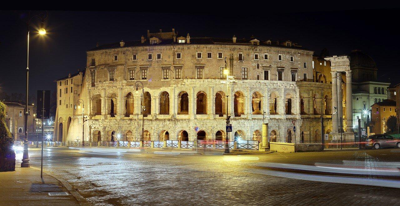 Ночной Рим.