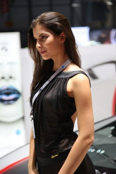 Самые красивые девушки на Женевском автосалоне – 2016