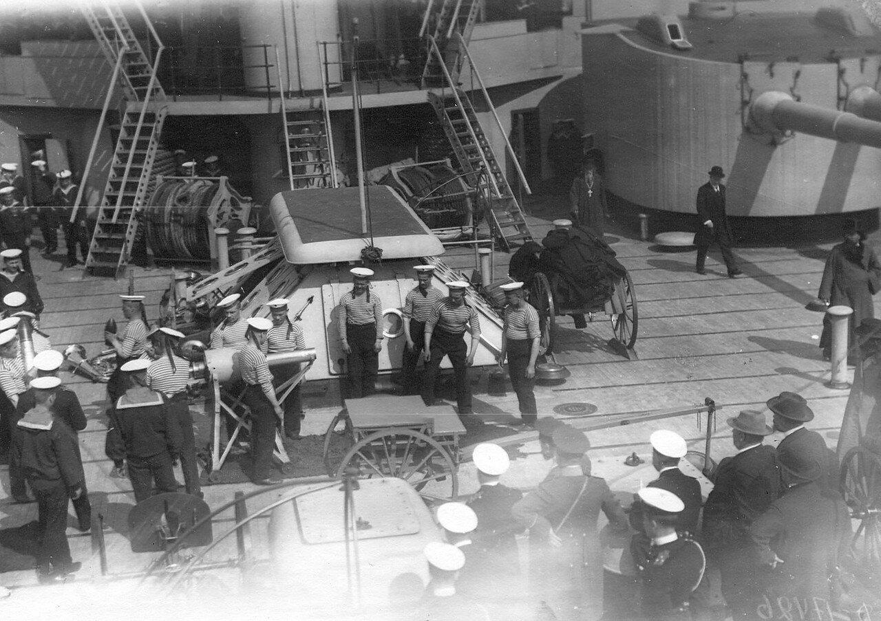 Депутаты Четвертой Государственной думы на борту военного судна. 5 мая 1913