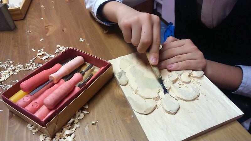 Резьба по дереву - детский центр Чудеса в решете