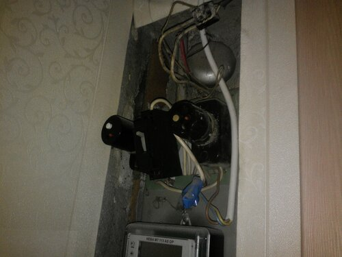 Срочный вызов электрика аварийной службы в квартиру: Приморский район СПб, проспект Испытателей.