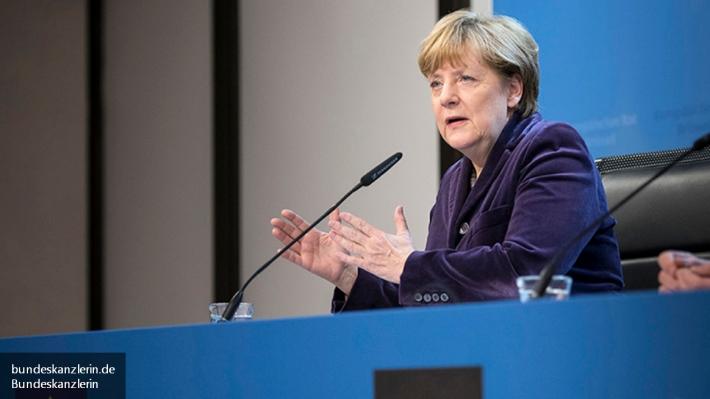 Меркель пребывает вотчаянии из-за сложности врешении проблемы смигрантами