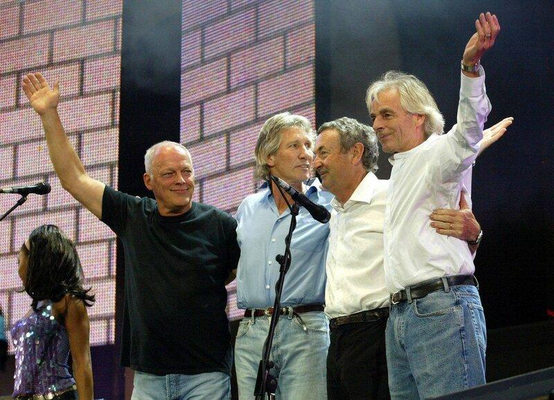 Pink Floyd представили клип, снятый в Припяти