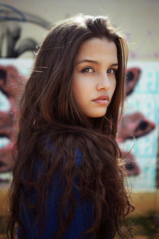 Михаэла Норок, «Атлас красоты»: 155 фотографий красивых женщин из 37 стран мира 0 1c6285 f3112e59 XL